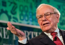 Warren Buffett, The Oracle of Omaha. Source: Fortune Live Media (flickr.com)