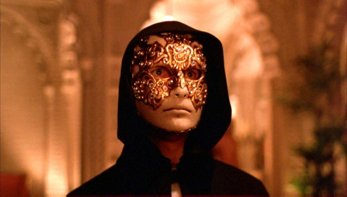 eyes_wide_shut_tom_cruise-e1486493242182