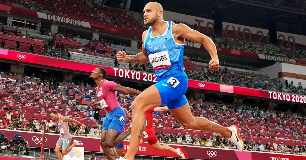 Nell'Immagine Marcell Jacobs alle Olimpiadi di Tokyo - Smart Marketing